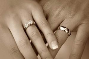 Обручальное кольцо - символ любимого человека или ненужное после ... 8b912aa006c96