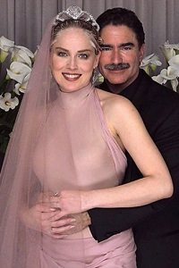 свадебное платье Шерон Стоун